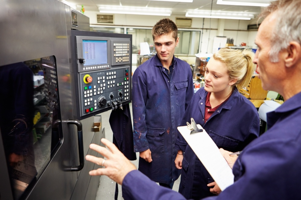 Students learn about manufacturing techniques